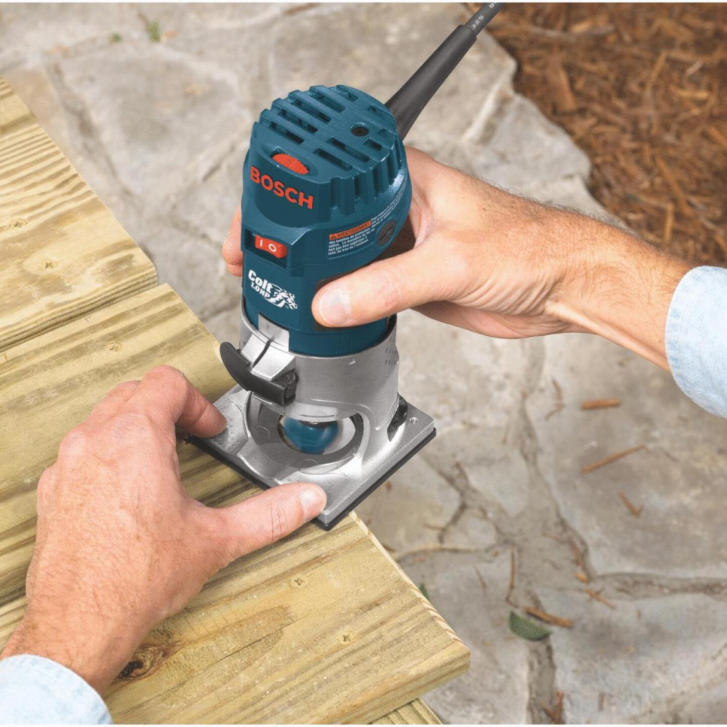 Bosch 1 HP/5.6A 16,000 to 35,000 rpm Router Image 2