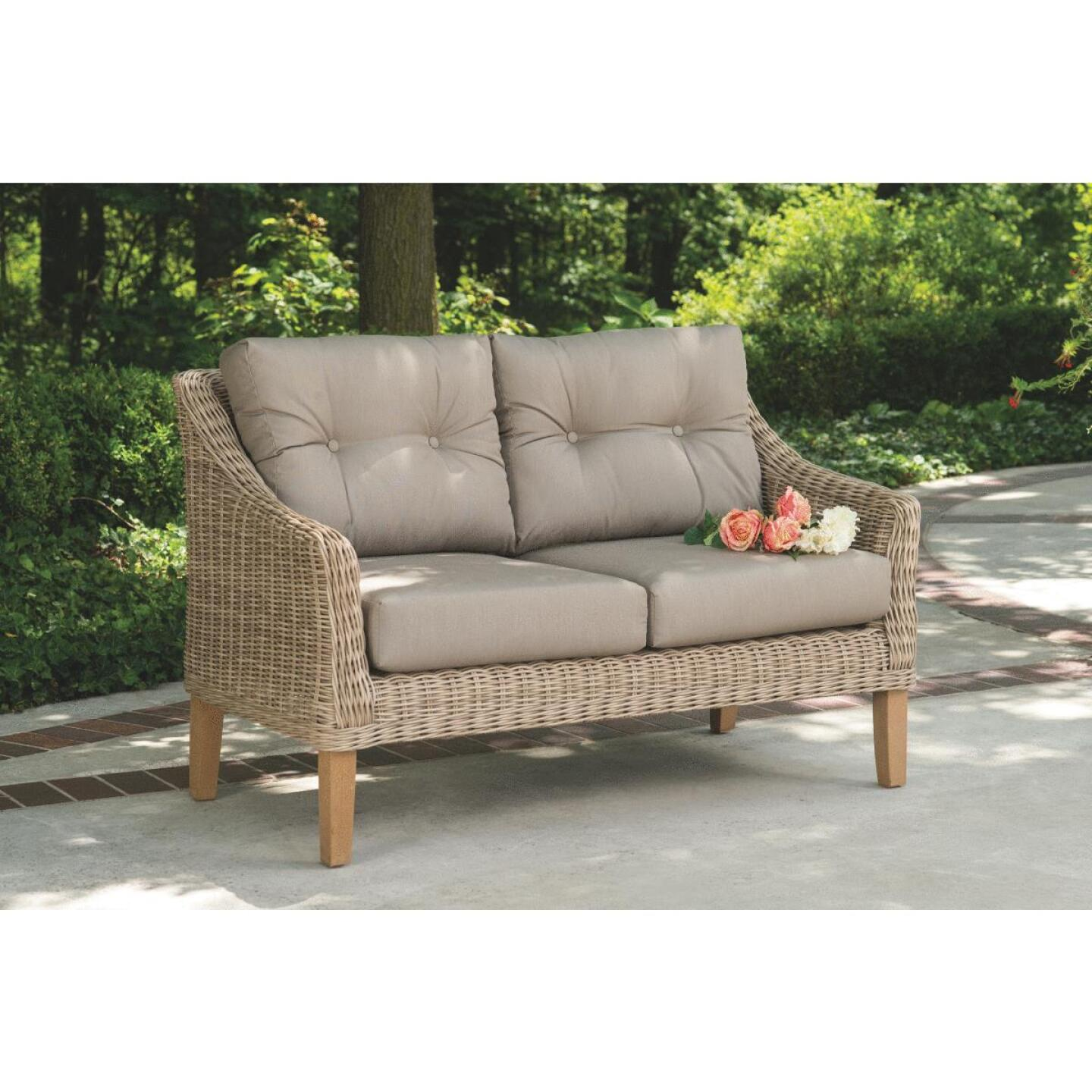 Cambria 2-Person 51 In. W. x 31 In. H. x 29 In. D. Wicker Loveseat Image 4